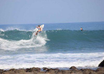 Chix Surfing